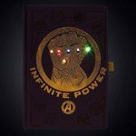 Marvel - Avengers: Infinity War Gauntlet LED Notebook - Packshot 2