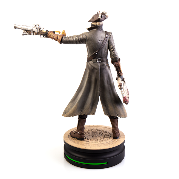 Bloodborne - The Hunter Modern Icons Statue - Packshot 5
