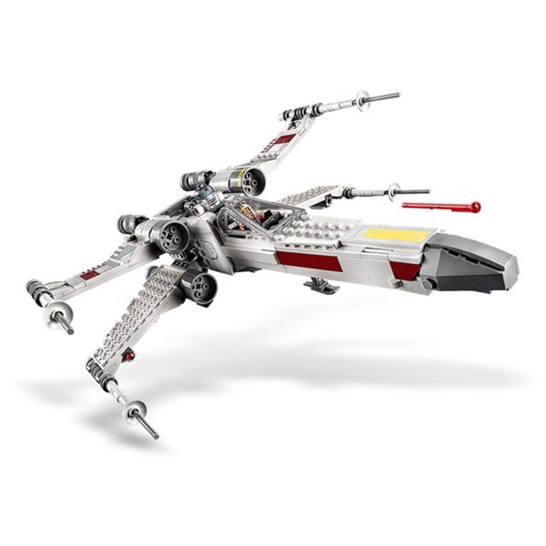 LEGO - Star Wars - Luke Skywalker's X-Wing Fighter - Packshot 3