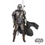 Star Wars - The Mandalorian with Holstered Blaster Hallmark Resin Ornament - Packshot 1