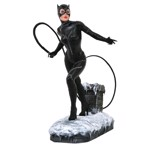 "DC Comics - Batman Returns - Catwoman 10"" Diorama Statue - Packshot 1"