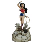 DC Comics - Justice League - Wonder Woman Statue - Packshot 1