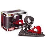 Marvel -  SpiderMan - SpiderMan vs Venom Comic Moment Pop! Vinyl Figure - Packshot 1