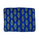 Fallout 76 - Vault Tec pattern Fleece Throw Blanket - Packshot 1