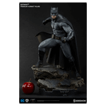 DC Comics - Batman vs Superman - Batman Premium Format Sideshow Collectibles Statue - Packshot 2