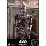 "Star Wars - Mandalorian - IG-11 1:6 Scale 12"" Action Figure - Packshot 4"
