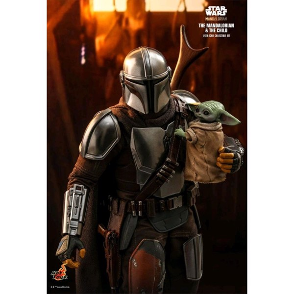 Star Wars: The Mandalorian & The Child 1/6 Scale Action Figure - Packshot 2