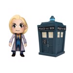 Doctor Who - Thirteenth Doctor & TARDIS Titan Vinyl 2-pack - Packshot 1