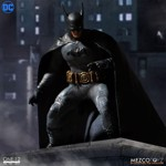Batman - Batman Ascending Knight 1/12 Scale Action Figure - Packshot 2