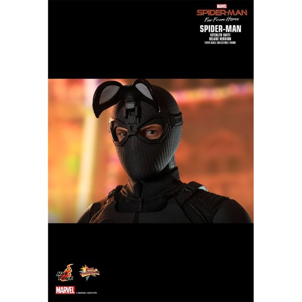 Spider-Man: Far From Home - Stealth Suit Deluxe 1/6 Scale Action Figure - Packshot 5