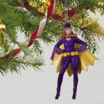 DC Comics - Batman - 1966 Classic TV Series Batgirl Hallmark Keepsake Ornament - Packshot 2