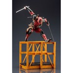 Marvel - Deadpool - Super Deadpool 1/6 scale ARTFX Statue - Packshot 3