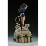 DC Comics - Justice League - Wonder Woman Statue - Packshot 4