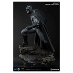 DC Comics - Batman vs Superman - Batman Premium Format Sideshow Collectibles Statue - Packshot 3