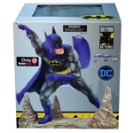 DC Comics - Batman by Neal Adams Statue - Packshot 2
