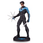 DC Comics - Designer Series: Nightwing by Jim Lee Statue - Packshot 1