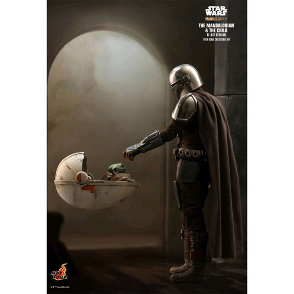 Star Wars: The Mandalorian & The Child Deluxe 1/6 Scale Action Figure - Packshot 2