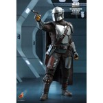 Star Wars: The Mandalorian & The Child Deluxe 1/6 Scale Action Figure - Packshot 4
