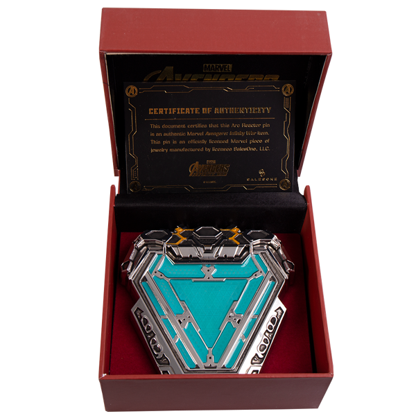 Marvel - Iron Man Arc Reactor Magnetic Pin Replica - Packshot 2