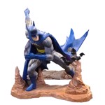 DC Comics - Batman by Neal Adams Statue - Packshot 1