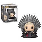 Game of Thrones - Daenerys Targaryen on Iron Throne Pop! Vinyl Figure - Packshot 1