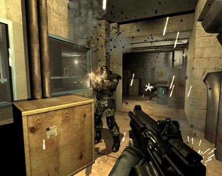 F.E.A.R - First Encounter Assault Recon - Screenshot 1