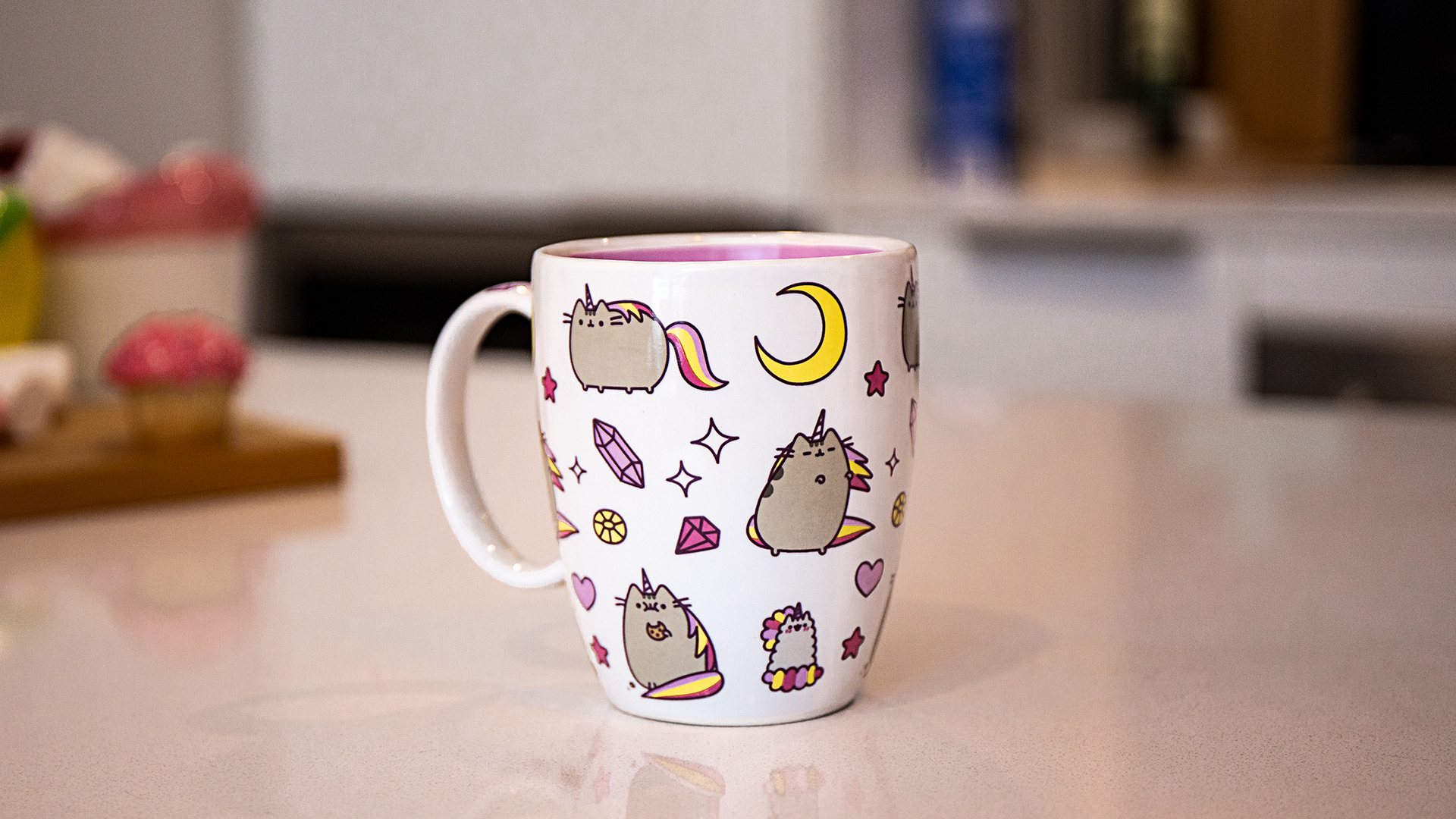 Pusheen - Magical Pusheenicorn Mug - Screenshot 1